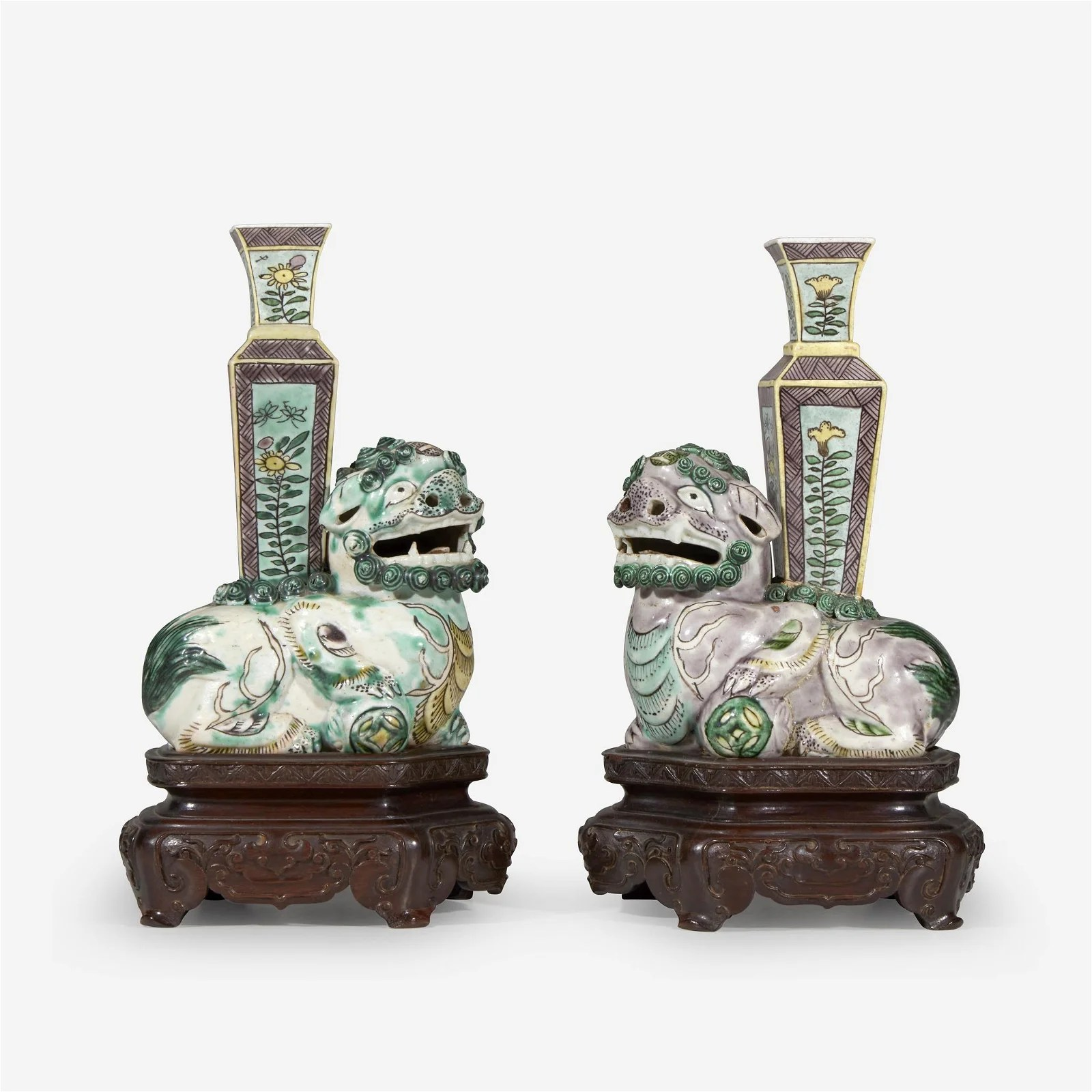 An associated pair of small Chinese famille verte