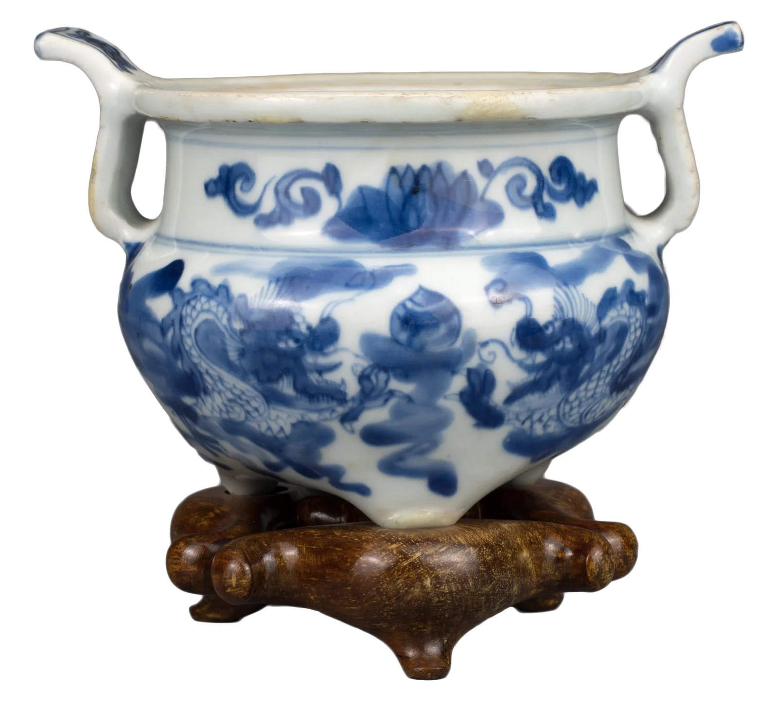 CHINESE BLUE AND WHITE PORCELAIN DRAGON CENSER, KANGXI