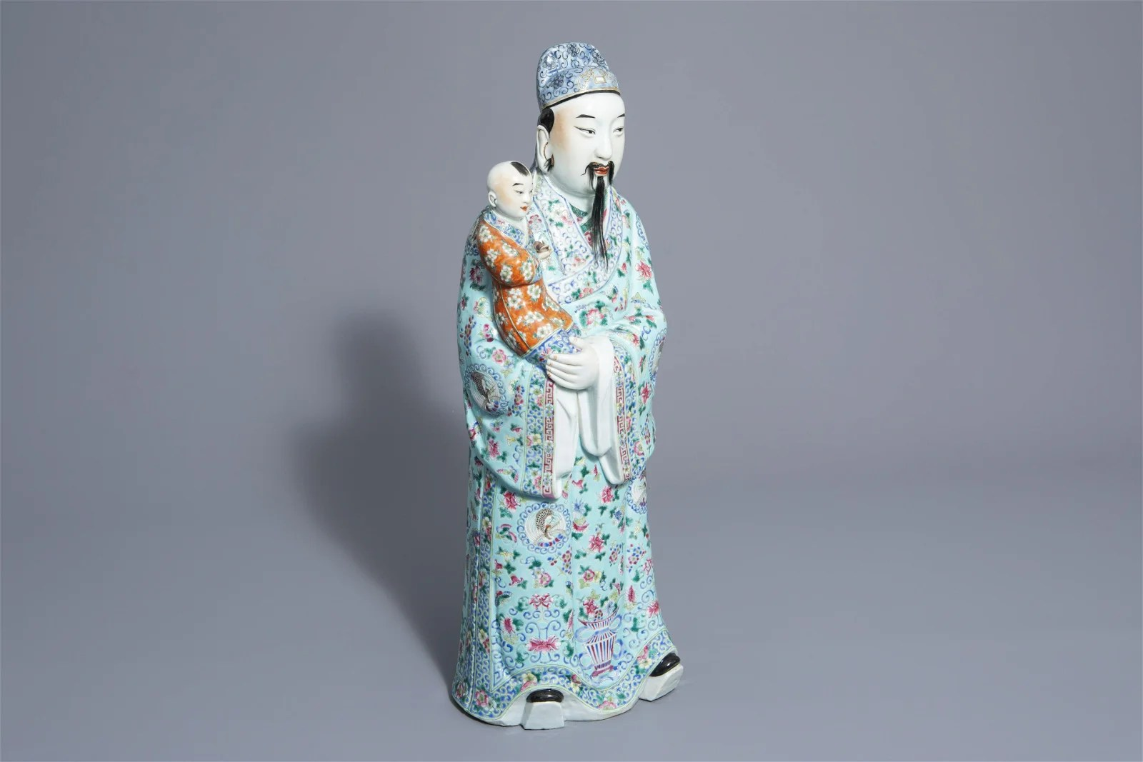 A Chinese famille rose Fu Xing figure, 19th/20th C.