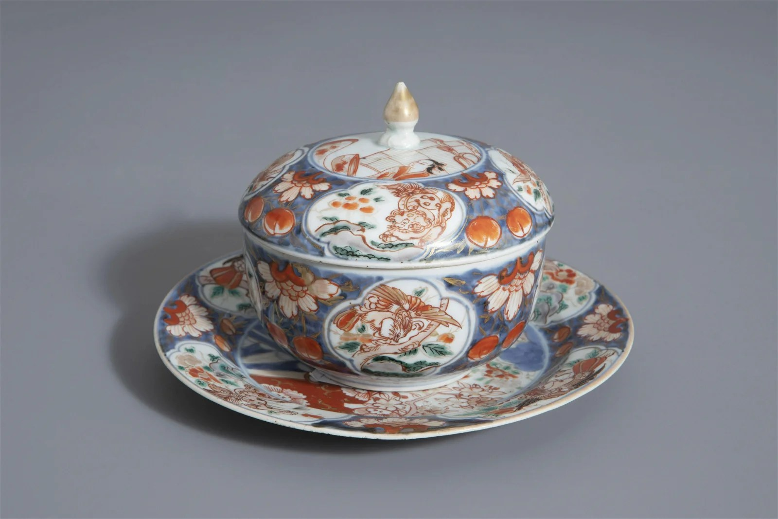 A Japanese Imari tureen and cover on stand, Edo, 18th