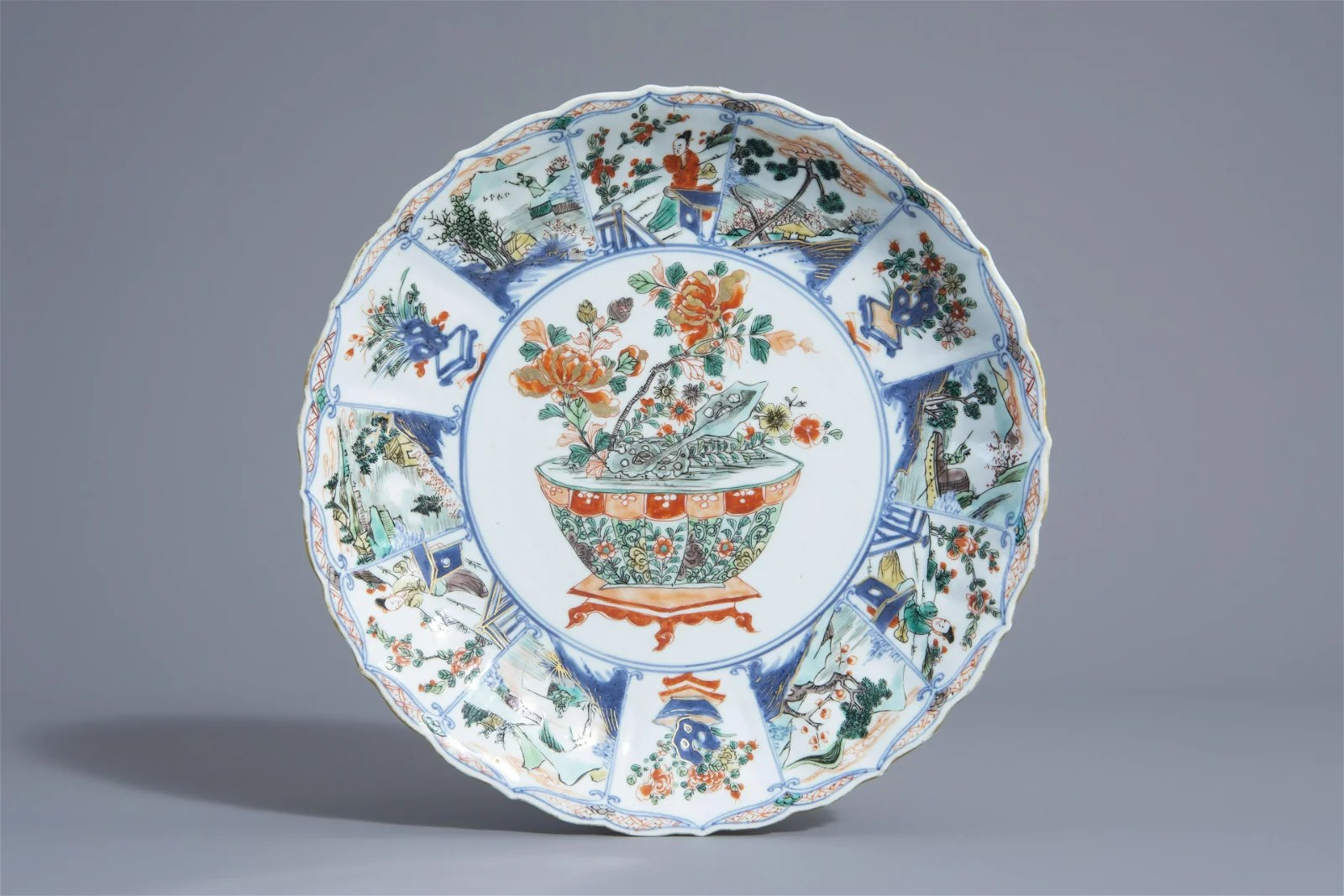 A Chinese famille verte dish with a jardinière, Kangxi