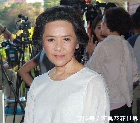 她幫劉德華還債4000萬,晚年被子女敗光家產,華仔養她一輩子