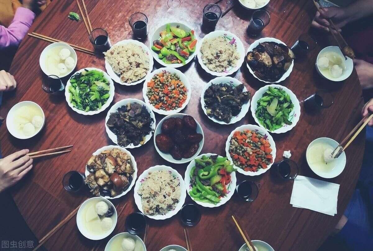 節假日。不想「胖三斤」。這5種食物別多吃。熱量高還特長肉 - 第一新聞