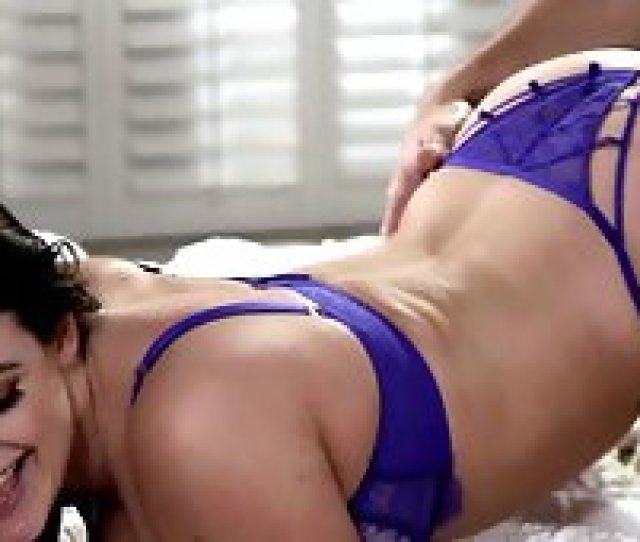 Amazing Bedroom Sex Session With Pretty Babe Angela White