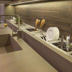 Kitchen Shelf Ideas Steam Cleaner 搬了三次家才明白 厨房早该这么装 老公太有想法 居然这么高档 快资讯 优质的碳钢加厚层板 不仅结实牢固 而且沾在上面的油污也特别好清洁 超强承重 一架多用