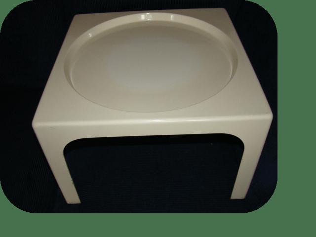 table basse en fibre de verre blanche