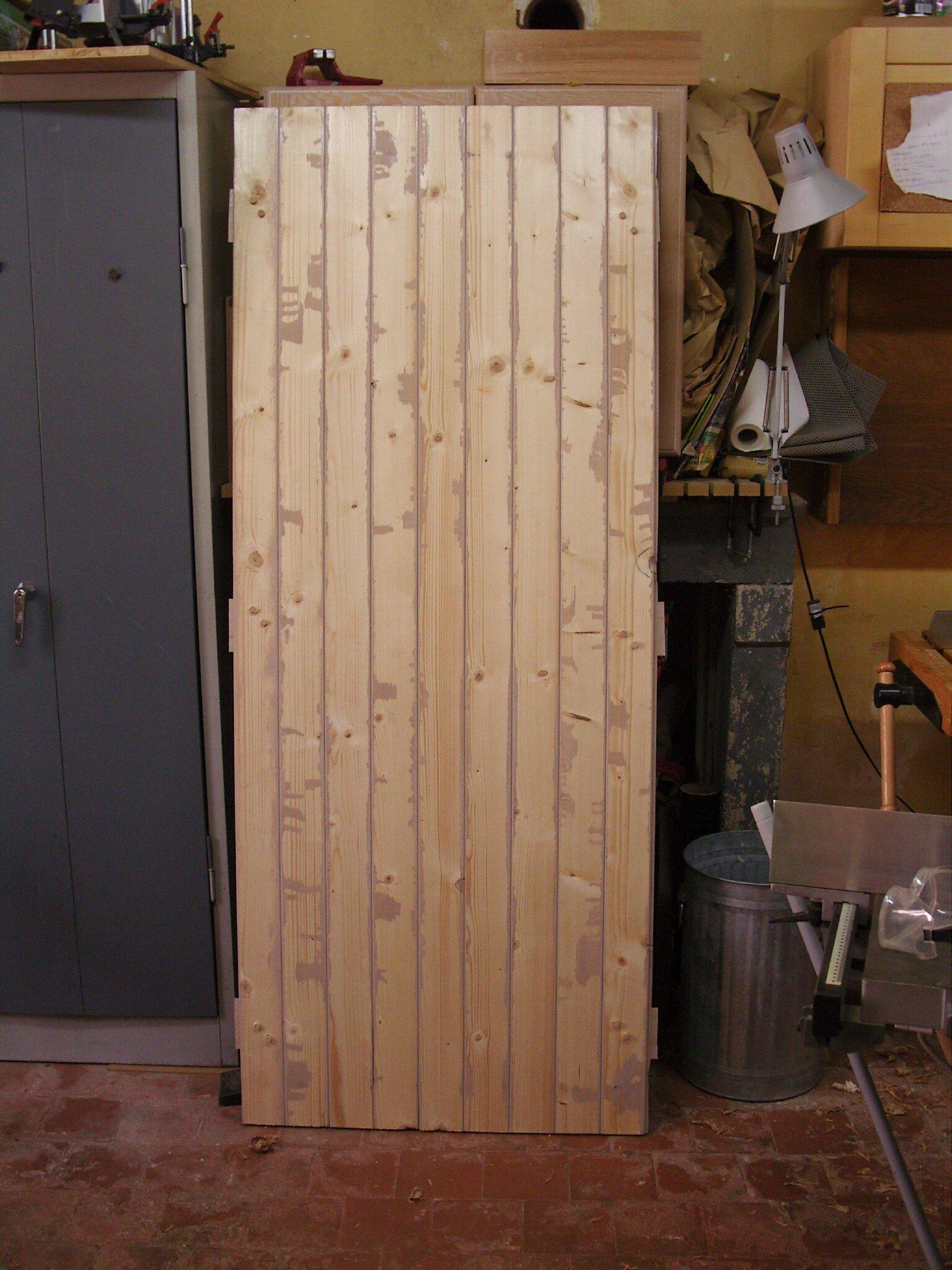 porte en bois pour chalet de jardin