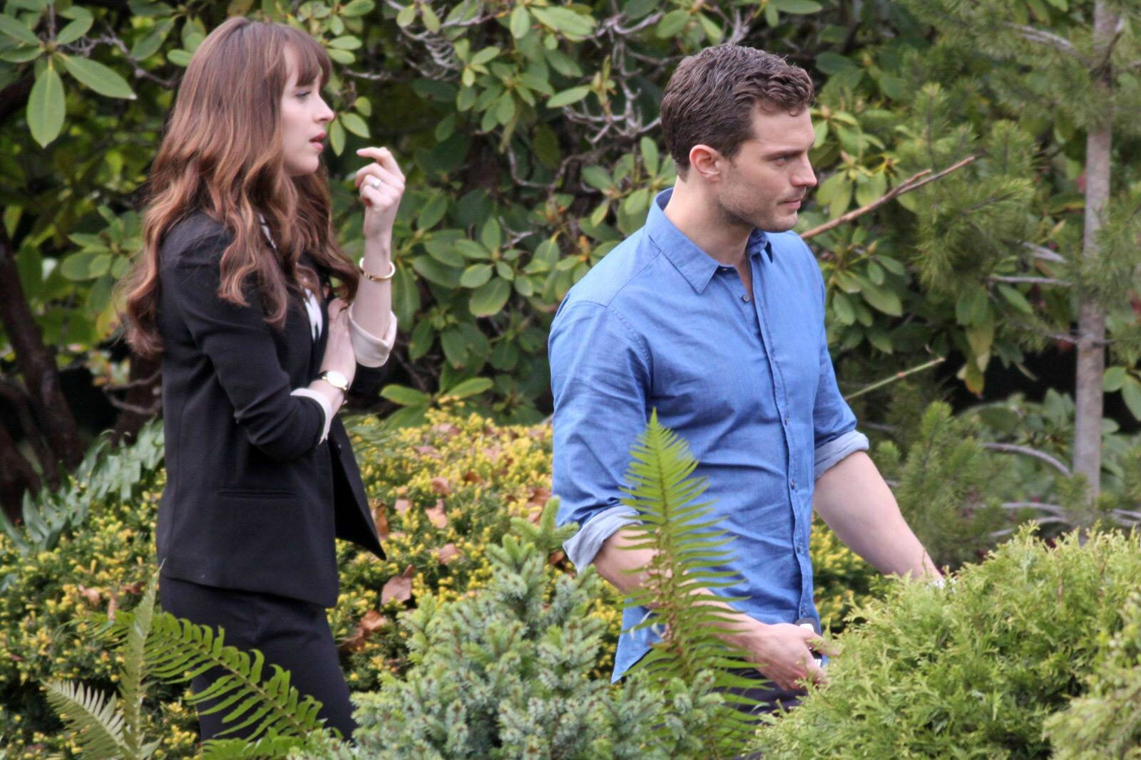 Fifty Shades Of Grey Resume Mr Et Mrs Grey Sur Le Tournage De Cinquante Nuances Plus