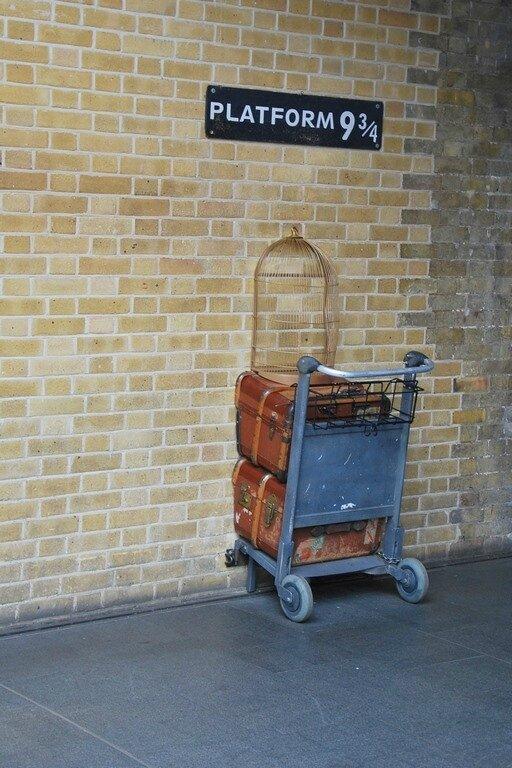 Gare De King's Cross Quai 9 3 4 : king's, cross, Cross, Référence, Harry, Potter, Photo, Londres, Davids