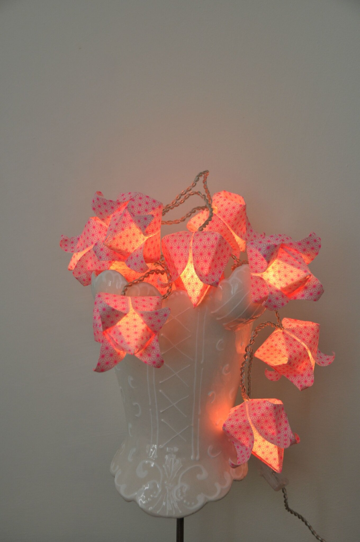 Petite Guirlande fleurs de lotus acidule  Guirlandes  Origami