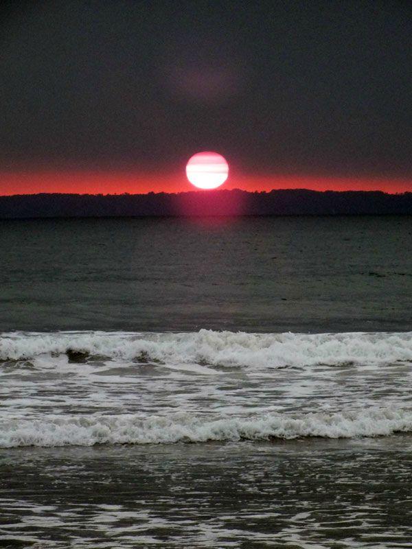 plage-sainte-anne-la-palud-finistere-baie-douarnenez-bretagne-atlantique-vagues-pipit-char-a-voile-coucher-soleil-mouettes (18)