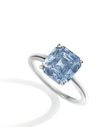 A 4.05 carat fancy deep blue diamond ring - Alain.R.Truong