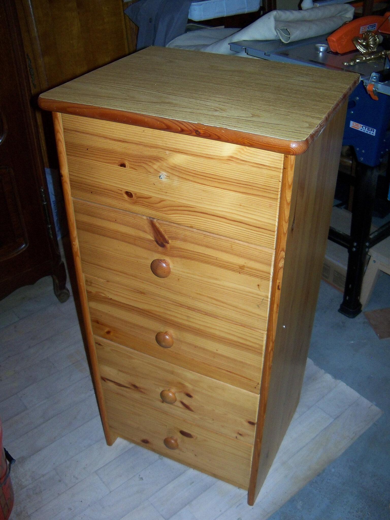 petit meuble de rangement avec tiroirs