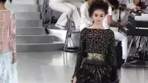 Coleção de Alta Costura da Chanel une tênis e espartilhos