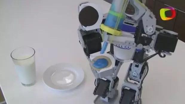 Protótipo de robô faz versão caseira de biscoito recheado