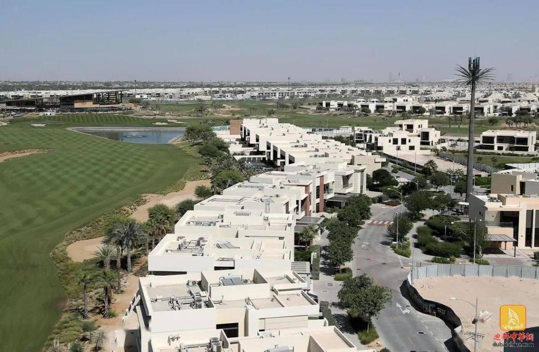 隨著空間需求上升。迪拜租戶將公寓換成別墅_支票