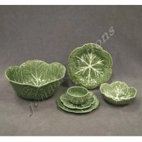 1358: SET PORTUGUESE GREEN MAJOLICA DINNERWARE : Lot 1358