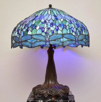 TIFFANY STYLE DRAGONFLY LAMP : Lot 1347