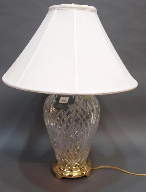 144: LARGE WATERFORD CUT CRYSTAL KILKENNY TABLE LAMP : Lot 144