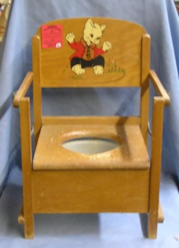 Vintage 1950s childs potty chair  Lot 257L