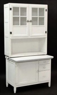 871023: WHITE PAINTED HOOSIER CABINET. : Lot 871023