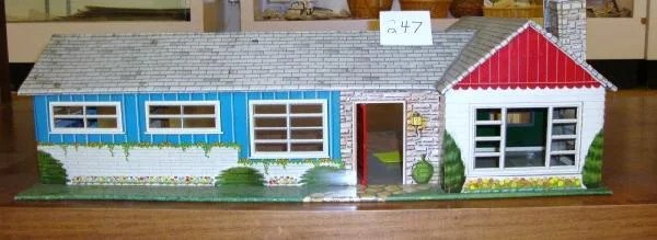 marx ranch dollhouse withpatio