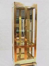 172: Mastercraft Display Curio Cabinet. Brass Laminat ...