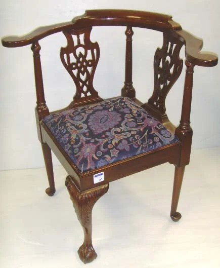 507: HENKEL HARRIS CHIPPENDALE MAHOGANY CORNER CHAIR