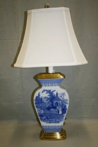 """574: Spode """"Zoological"""" Blue Lamp : Lot 574"""