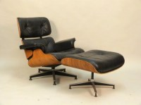 Classic Knoll Eames Chair and Ottoman : Lot 120