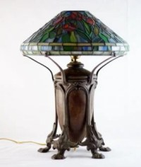 Tiffany Studios stained glass Art Nouveau lamp : Lot 155