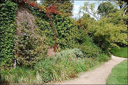 walled_garden_465x309