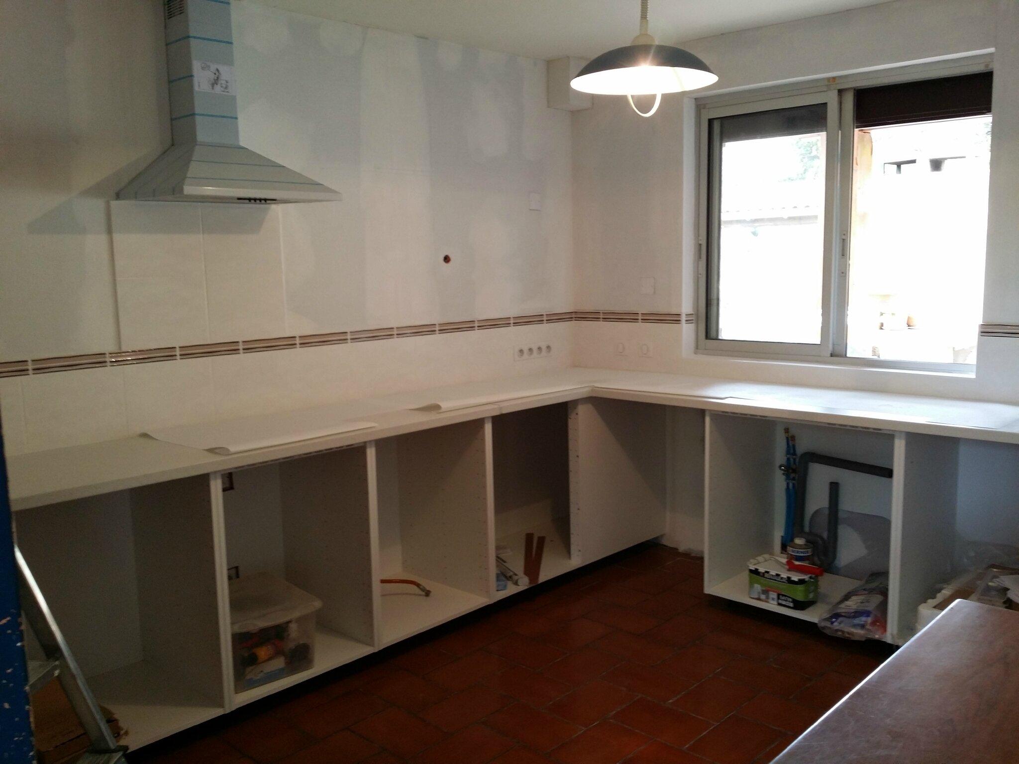 montage de meuble a domicile service montage ikea livraison et montage ikea avis. Black Bedroom Furniture Sets. Home Design Ideas
