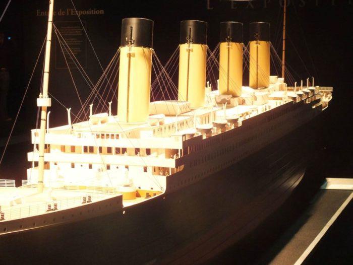 exposition-titanic-paris-porte-de-versailles-photos-art-nouveau-cabine-premiere-troisieme-classe-couloir-porte-reconstitution-decors-grand-escalier-iceberg (2)
