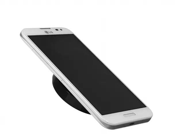 Pelo menos dois modelos da fabricante asiática podem ser recarregados pelo aparelho Foto: LG / Divulgação