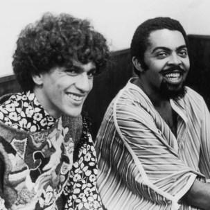 Presos há 45 anos, Gil e Caetano foram vítimas do AI-5 e tiveram que se exilar