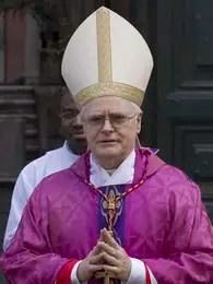 El cardenal brasileño Odilo Pedro Scherer llega para celebrar misa en la iglesia de Sant Andrés del Quirinal en Roma, el domingo 10 de marzo de 2013. Scherer suena como uno de los aspirantes fuertes a ser el próximo papa.  Foto: Andrew Medichini / AP