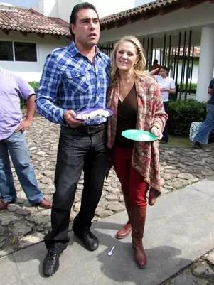 Los besos entre Érika Buenfil y Eduardo Yáñez fueron los más esperados en la trama de 'Amores Verdaderos'. Foto: Reforma