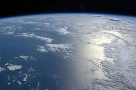 """O astronauta americano se mostra fascinado com nosso planeta: """"A Terra é linda"""", registra"""