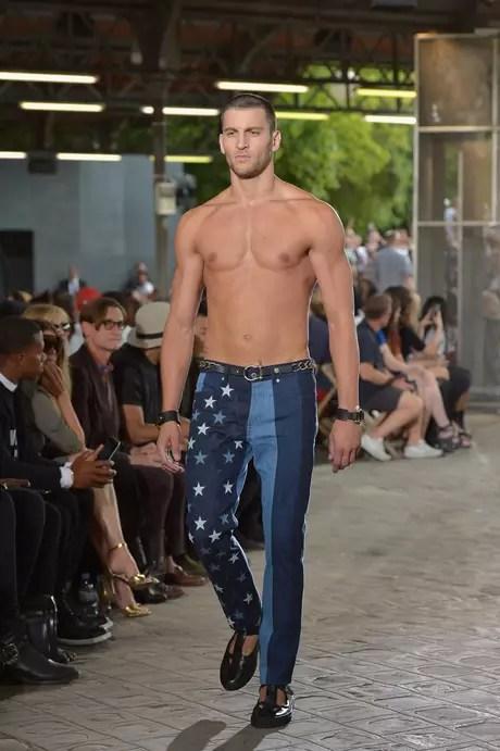Desfile masculino da Givenchy, em Paris