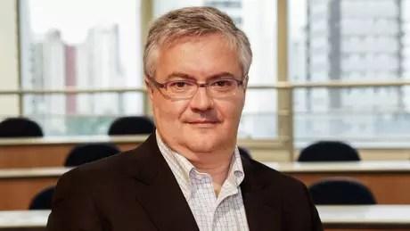 Economista Ricardo Rocha acredita que não se deve ignorar o fenômeno das criptomoedas