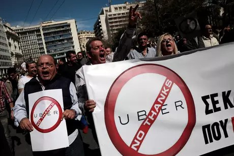 Taxistas protestam contra Uber em Atenas 6/3/2018 REUTERS/Alkis Konstantinidis