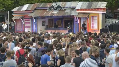 Centenas de pessoas participam do evento todos os anos