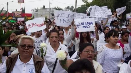 Moradores de Ecatepec, no México, foram às ruas protestar contra o assassinato de mulheres