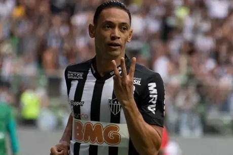 Ricardo Oliveira tem 7 gols em apenas 4 jogos (Foto: Alessandra Torres/Eleven)