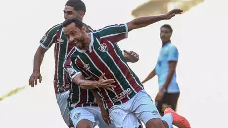 Nenê marca duas vezes pelo Fluminense (Foto: LUCAS MERÇON / FLUMINENSE F.C.)