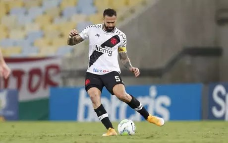 Leandro Castan pediu desculpas ao torcedor após derrota para o Fortaleza no Castelão (Foto: Rafael Ribeiro/Vasco)