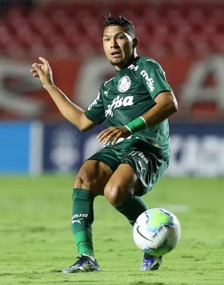 Rony, hoje no Palmeiras, era do Cruzeiro quando foi emprestado aos japoneses, gerando toda a confusão jurídica-Divulgação/Palmeiras