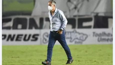 O técnico Ariel Holan admitiu o rendimento ruim do Santos (Foto: Ivan Storti/Santos FC)
