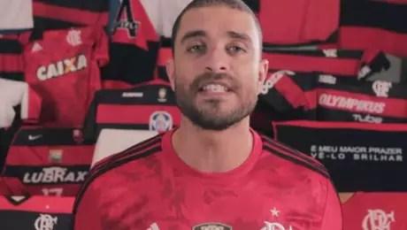 Diogo Nogueira é torcedor do Flamengo (Reprodução)